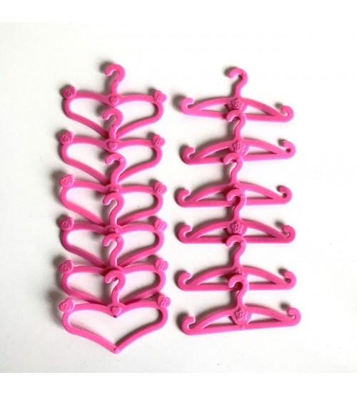 Вешалки для кукольных платьев
